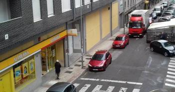 Urge una solución al tráfico en Santiago López y Reina Adosinda
